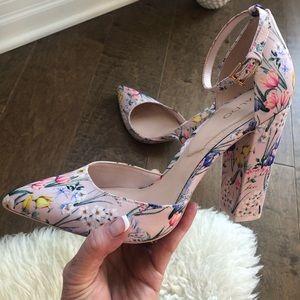 💐Pretty Pink Floral Heels 💐